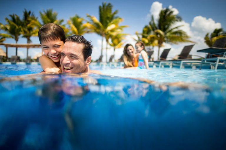 Oferta speciala Mexic - Bluebay Grand Esmeralda Hotel 5*