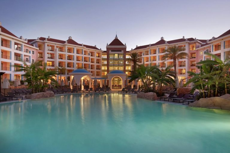 Last minute Algarve - Hilton Vilamoura As Cascatas Golf Resort And Spa 5*