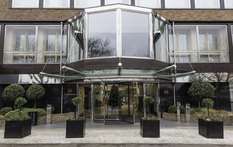 Crowne Plaza London Ealing Hotel 4*