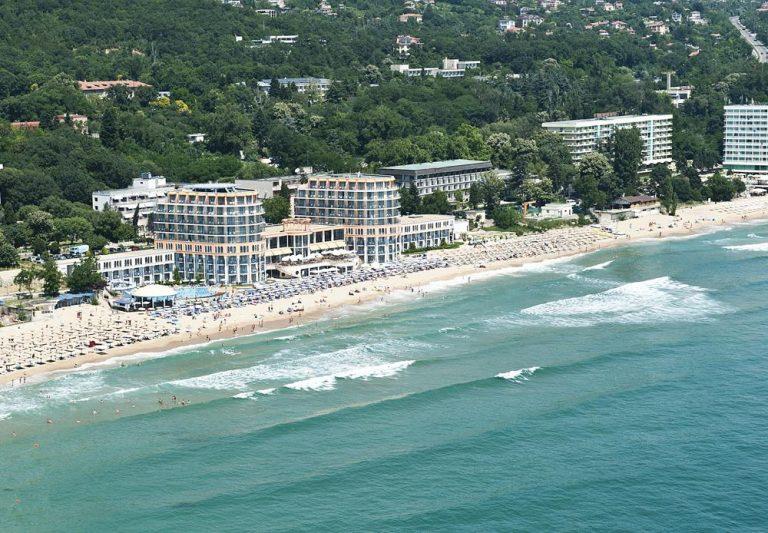 Paste si 1 Mai 2019 Constantin si Elena - Azalia Hotel Balneo & SPA 4*