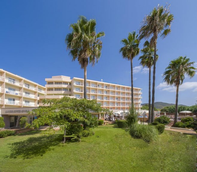 Invisa Hotel Es Pla Hotel 3* (adults only)