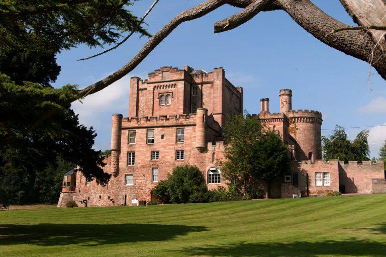 Dalhousie Castle 3*