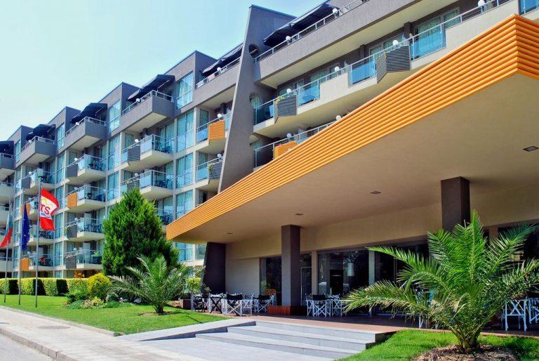Excelsior Hotel 4*