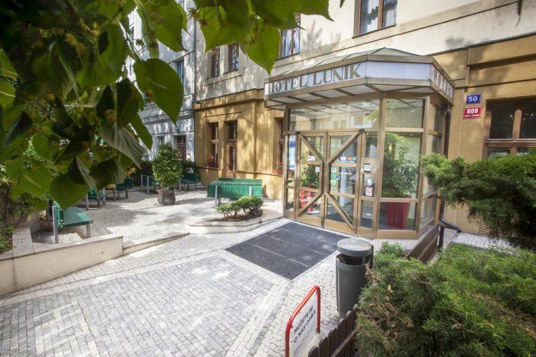 Castle-Chateau Night la Praga - Lunik Hotel 3*
