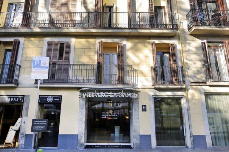 City Break la Barcelona - Arc La Rambla Hotel 3*