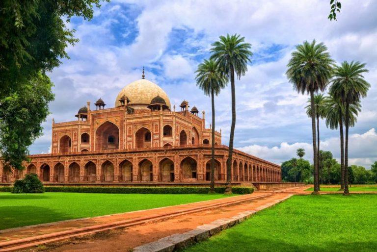 Oferta speciala Emirates: bilet avion Bucuresti – Delhi