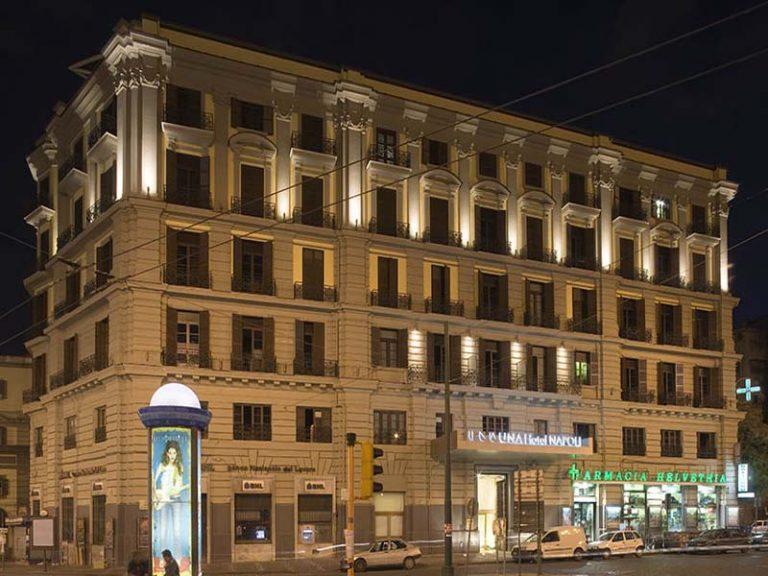 Una Napoli Hotel 4*