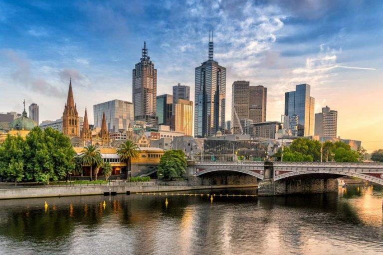 Oferta speciala Emirates: bilet avion Bucuresti – Melbourne