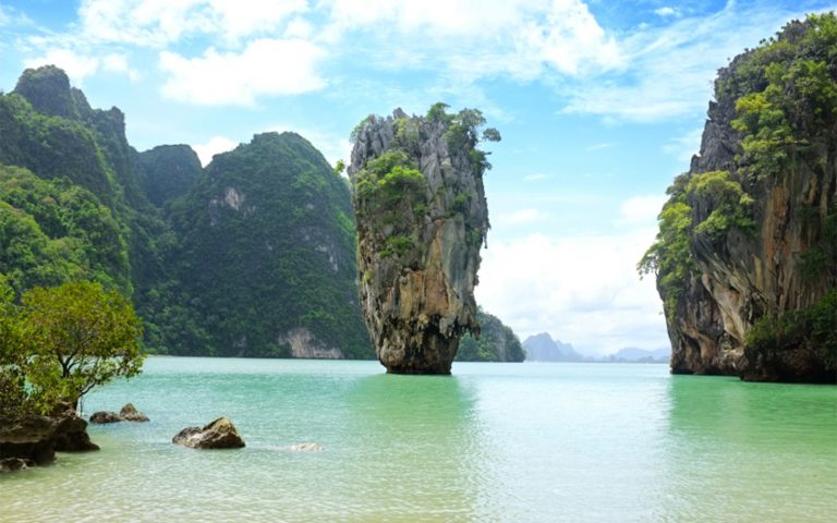 Oferta speciala Emirates: bilet avion Bucuresti – Phuket