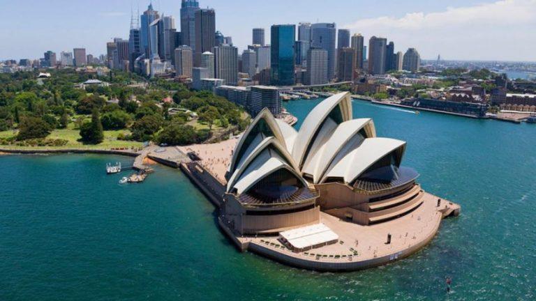 Oferta speciala Emirates: bilet avion Bucuresti - Sydney