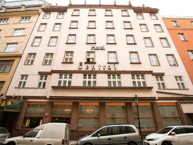 Concert Ozzy Osbourne la Praga - Central Hotel 3*
