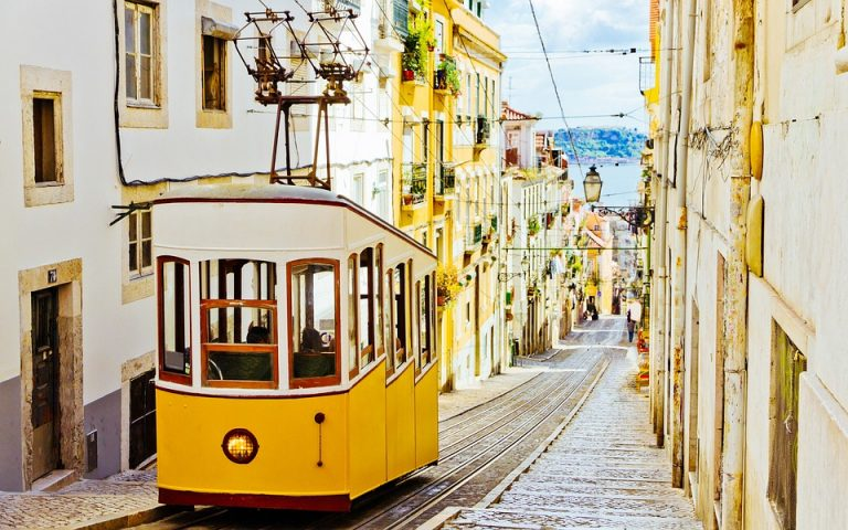 Last Minute Lisabona - Program Social