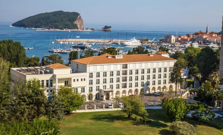 1 Mai Muntenegru - Budva Hotel 4*
