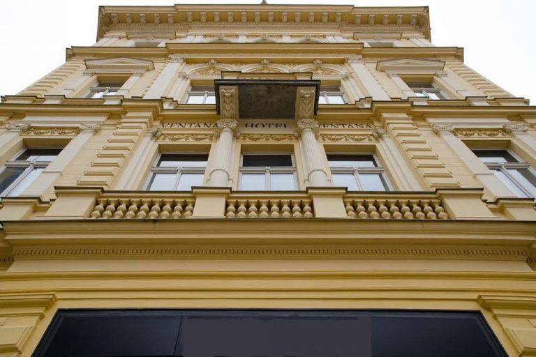 Castle-Chateau Night la Praga - Ventana Hotel 5*