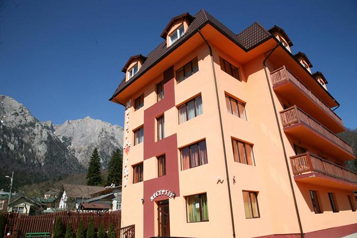 Iri Hotel 3*