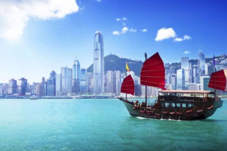 Oferta speciala Qatar: bilet avion Bucuresti - Hong Kong