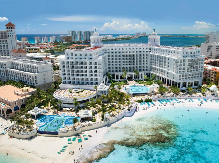 Early booking 2019 Cancun - Riu Palace Las Americas 5* (adults only)