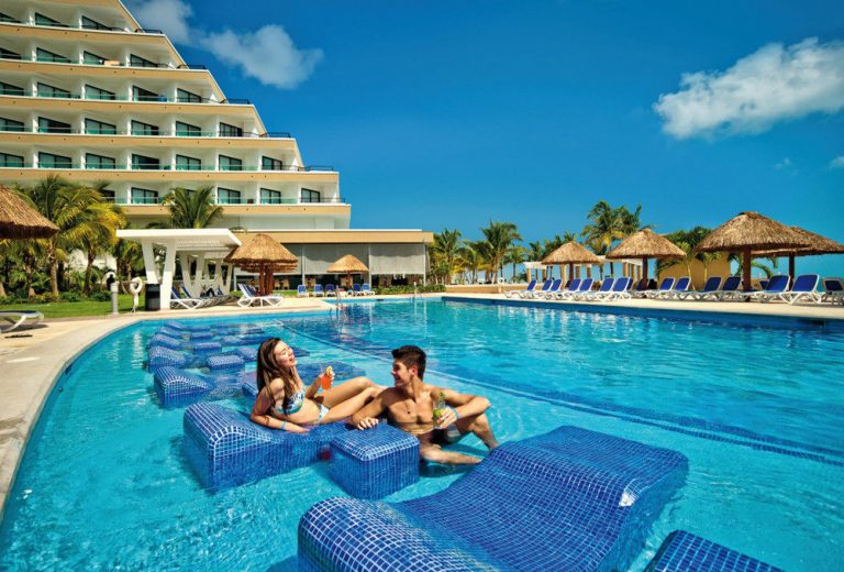 Early Booking Cancun - Riu Caribe Hotel 5* (gratuitate copil)