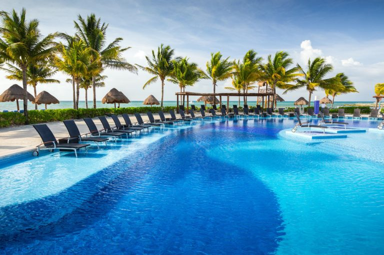 Early booking Riviera Maya - Bluebay Grand Esmeralda Hotel 5*