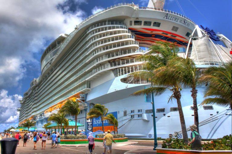 35% reducere Croaziera 7 nopti in Caraibele de Vest pe vasul Allure of the Seas® (gratuit Perfect Day at CocoCay)