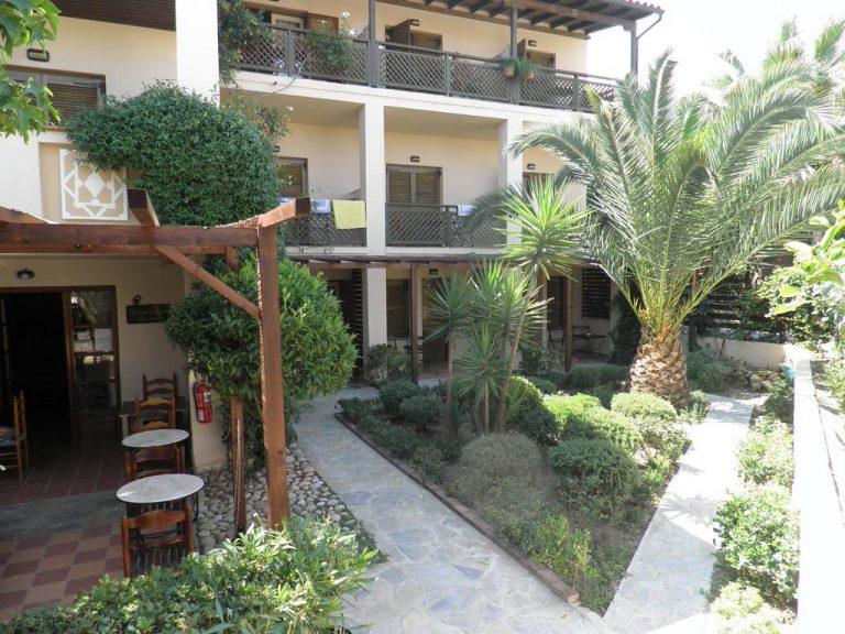 Ammon Garden Hotel 3*