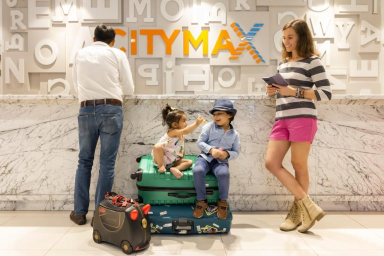 La shopping in Dubai - Citymax Hotel Al Barsha at the Mall 3*