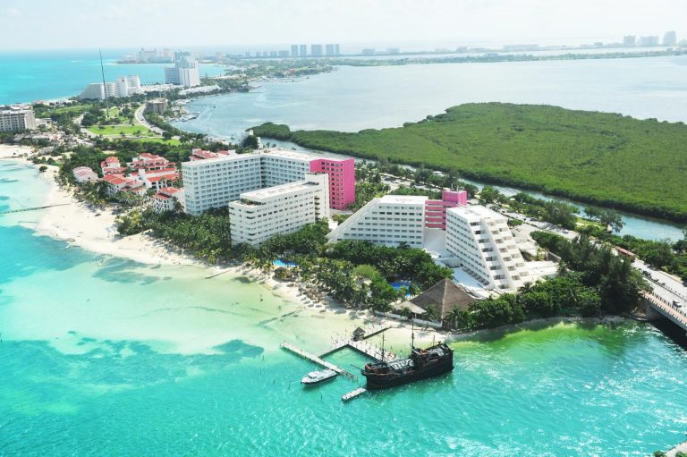 Early Booking Revelion 2019 Cancun - Oasis Palm Hotel 4* (gratuitate ptr 1 copil)