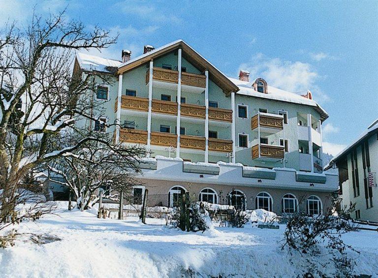 Rosental Hotel 3* (Luson)