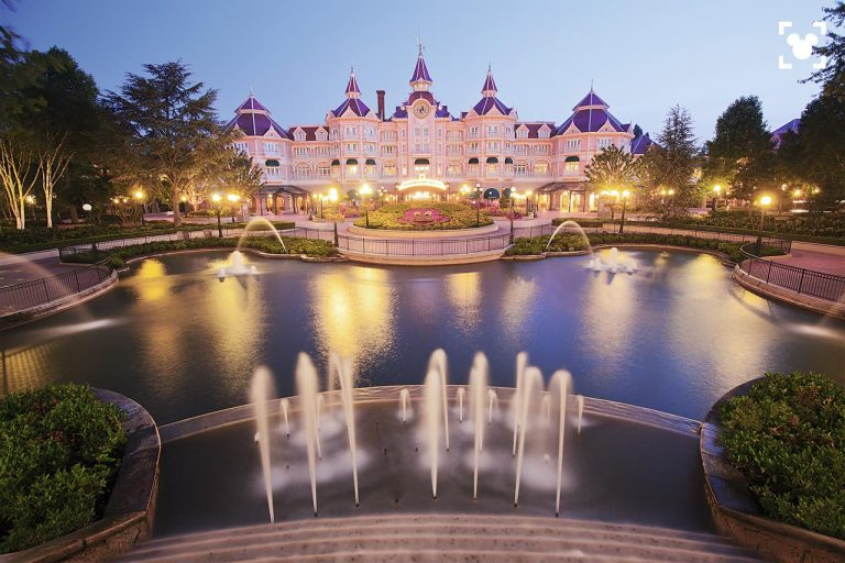 Disneyland® Hotel 5* - Early booking 2019 - oferta 4 = 2 (stai mai mult, platesti mai putin)