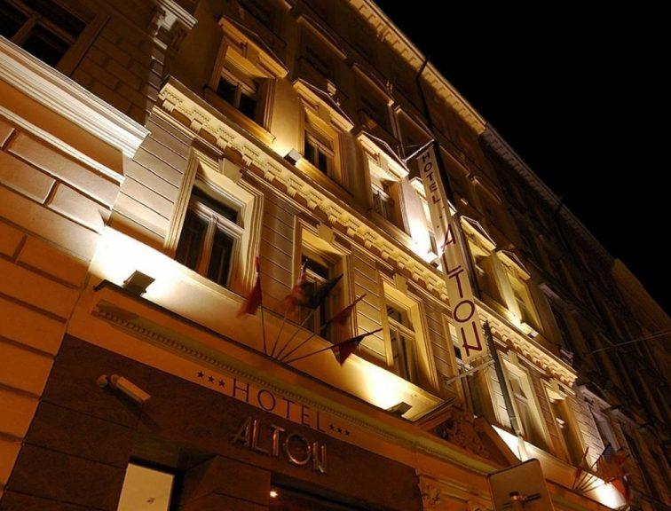 Castle-Chateau Night la Praga - Alton Hotel 3*