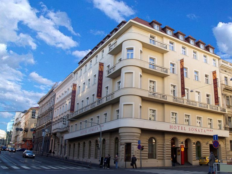 Castle-Chateau Night la Praga - Sonata Hotel 4*