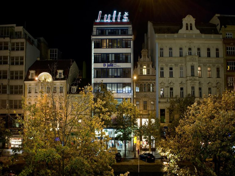 Castle-Chateau Night la Praga - Julis Hotel 4*