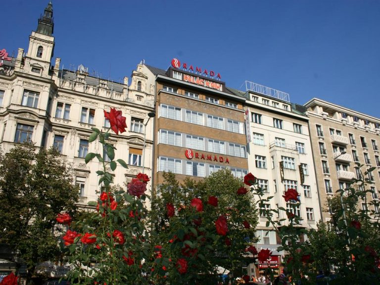 Castle-Chateau Night la Praga - Ramada City Center Hotel 4*