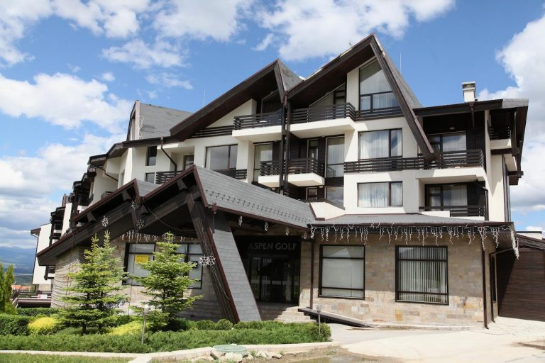 Early booking Razlog - Aspen Golf and Ski Resort 3*