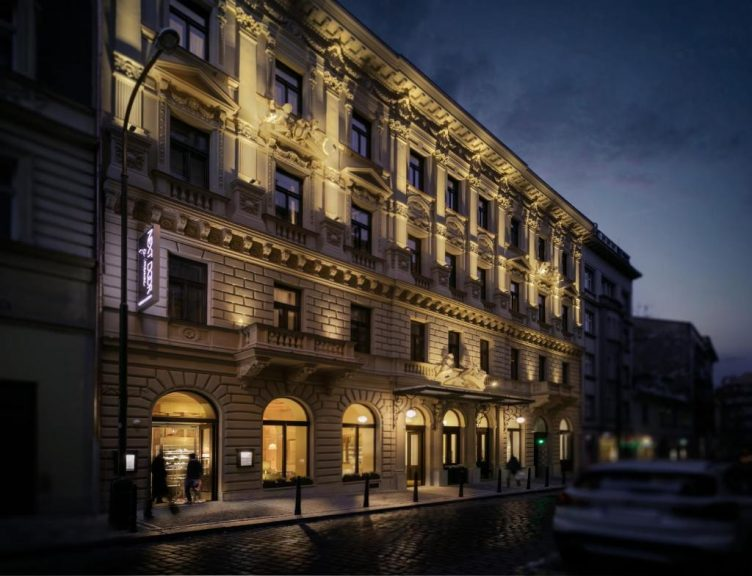 Castle-Chateau Night la Praga - Cosmopolitan Hotel 5*