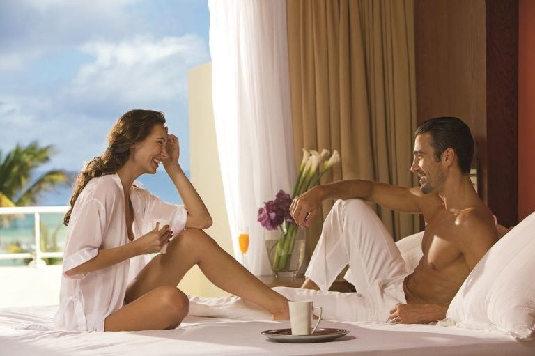 Oferta speciala Playa Bavaro - Breathless Punta Cana Resort 5* - adults only (7 zile / 5 nopti)