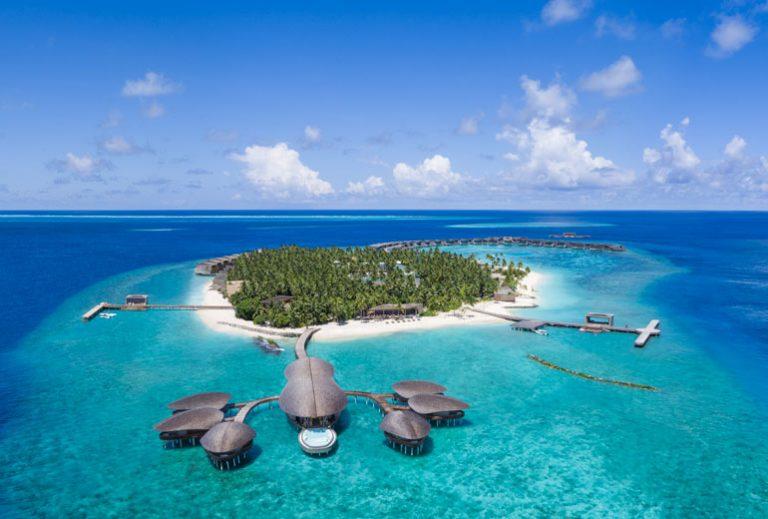 The St. Regis Maldives Vommuli Resort 5,5*
