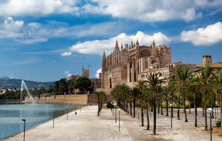 Oferta speciala de la Lufthansa: bilet avion Bucuresti - Palma de Mallorca
