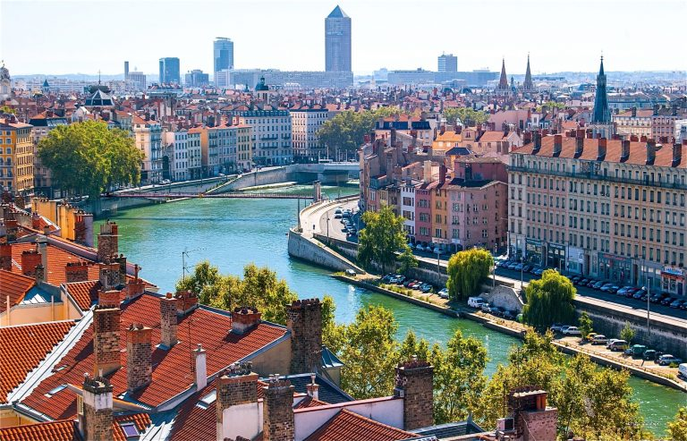Oferta speciala de la Lufthansa: bilet avion Bucuresti - Lyon