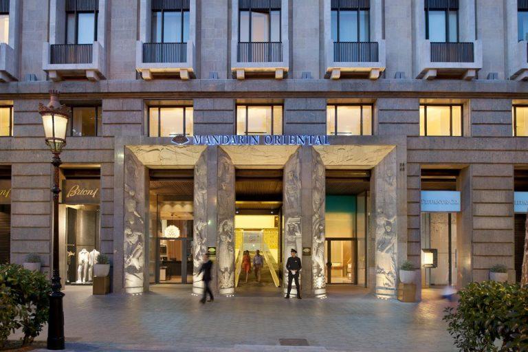 "Mandarin Oriental Hotel Barcelona 5* - promotie ""Platesti 2 nopti si stai 3"""