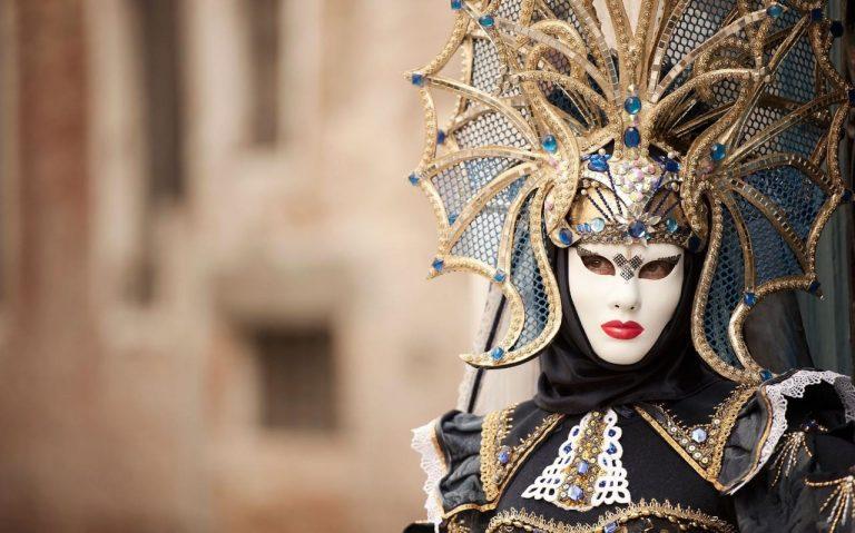 2 Carnavaluri, o singura plecare - Venetia si Cannes