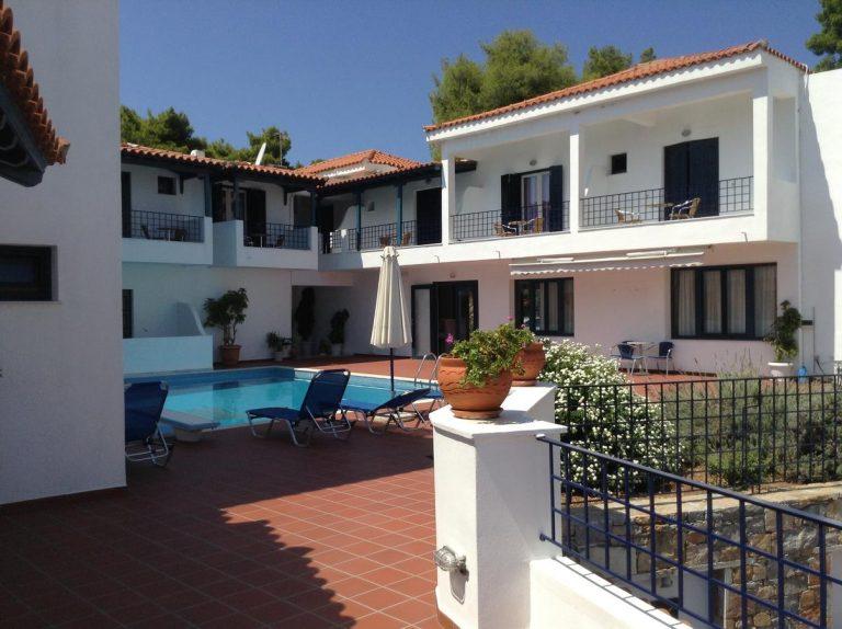 Atrium of Alonissos Hotel 3*