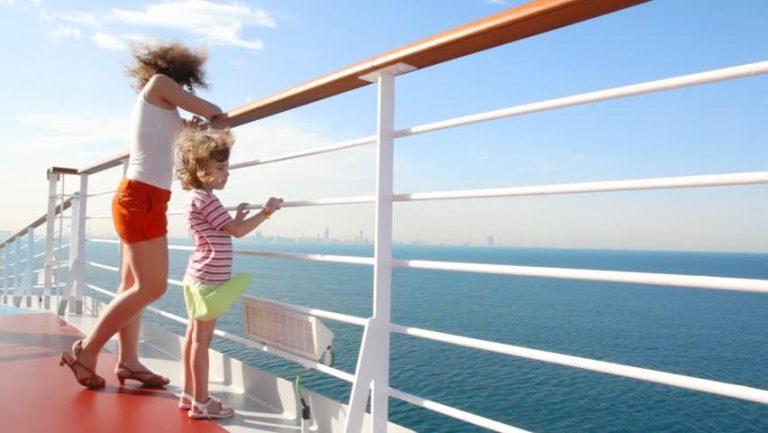 Copiii calatoresc gratuit - Croaziera de lux Caraibele de Vest la bordul navei Celebrity Equinox - 7 nopti
