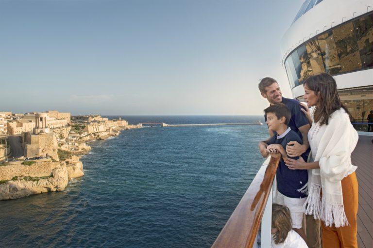 Copiii calatoresc gratuit - Croaziera de lux pe Mediterana la bordul navei Celebrity Constellation - 9 nopti