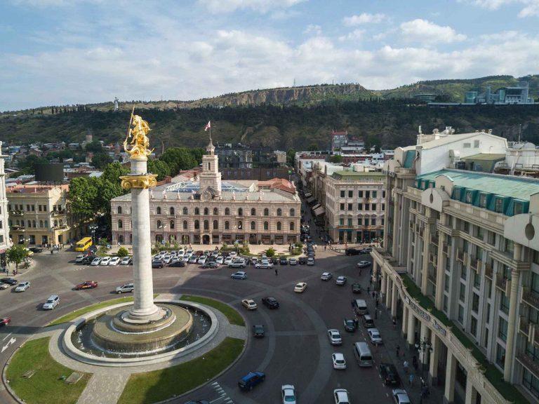 Oferta Sarbatorilor de Iarna de la Tarom: bilet avion Bucuresti - Tbilisi