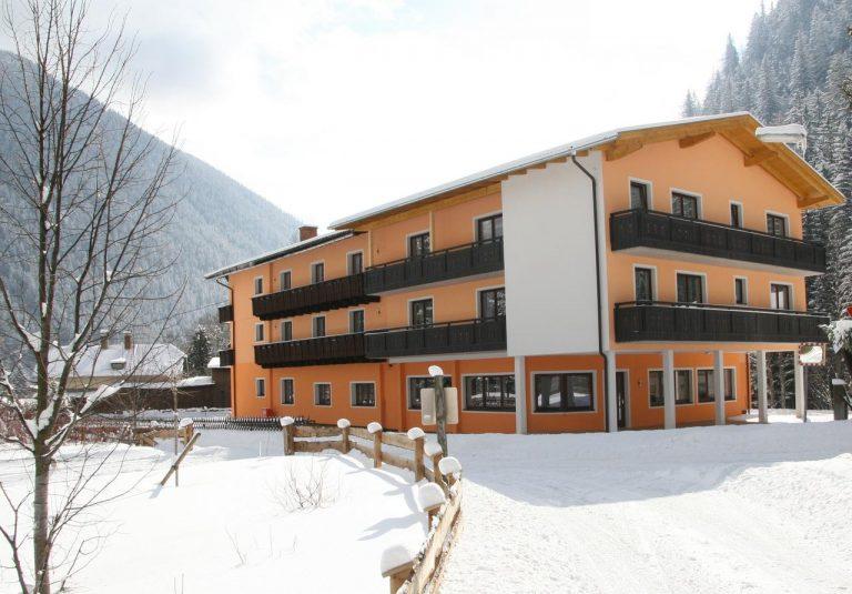 La ski in Austria - Pension Hubertus 3* (free skipass)