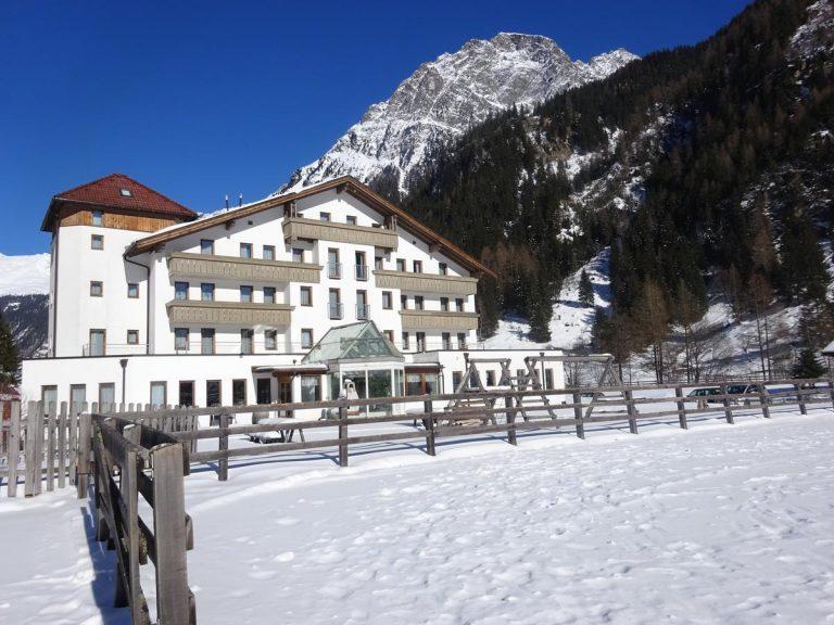 Tia Monte Hotel 3* - Free Ski Pass