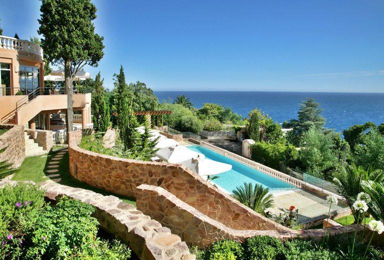 Tiara Yaktsa Côte d'Azur Hotel 5* (adults only)