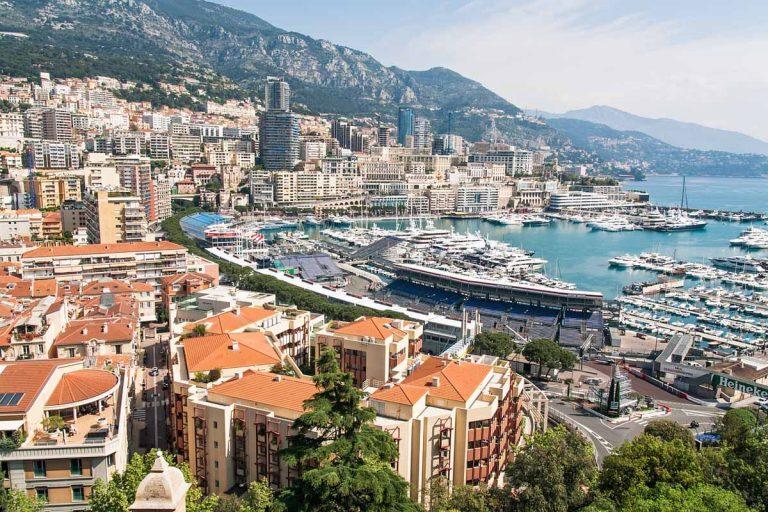 Revelion aristocrat la Nisa, Costa de Azur