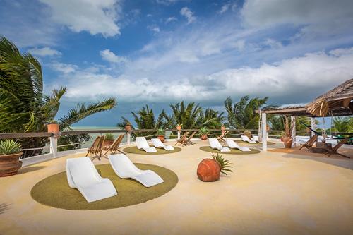 Beachfront Hotel La Palapa 4* (adults only)